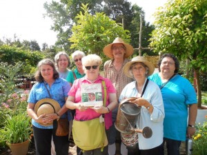 Cooking guild with Gardener Greene in his Colonial Williamsburg garden. ALHFAM, June 2015.